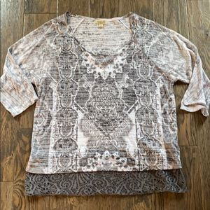 Gray Burnout Lace 3/4 sleeve tee.
